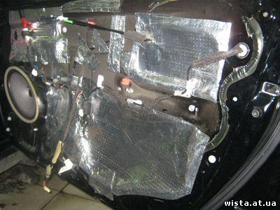 шумоизоляция внутренний части двери автомобиля